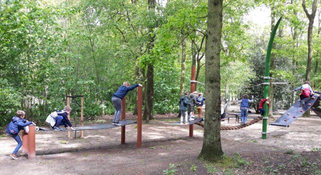 Staatsbosbeheer en de gemeente Den Haag heropenen vernieuwde speelbossen in Haagse Bos